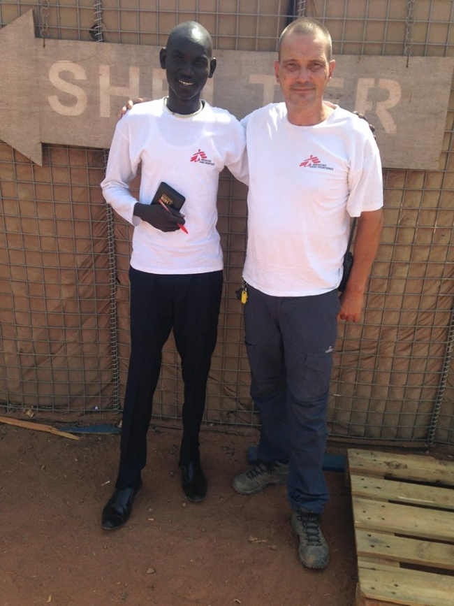 Riak with a member of the international MSF team in Bentiu