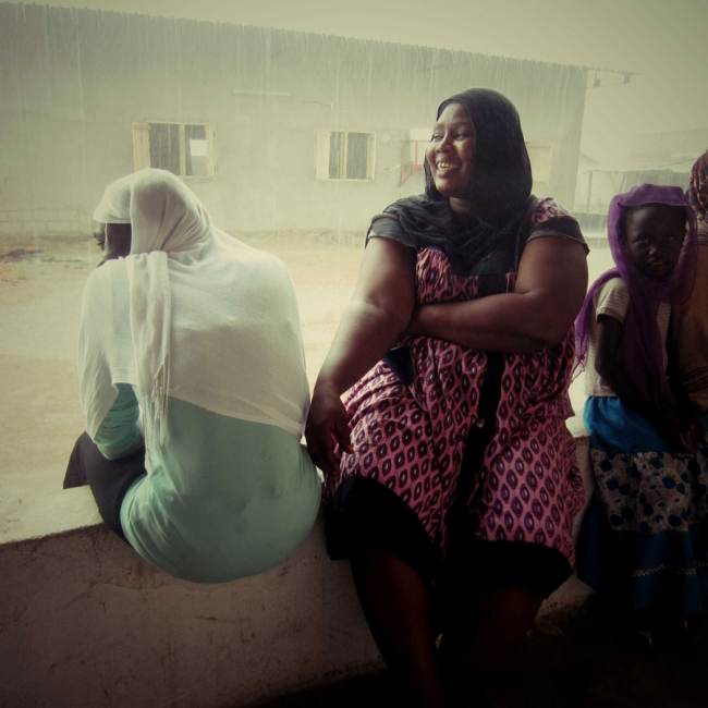 Midwife Souat and the rain © MSF