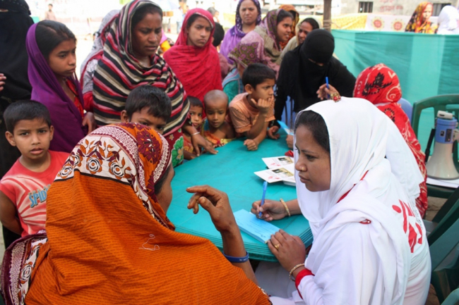 MSF Health Promotion Day in Kamrangirchar, Bangladesh.