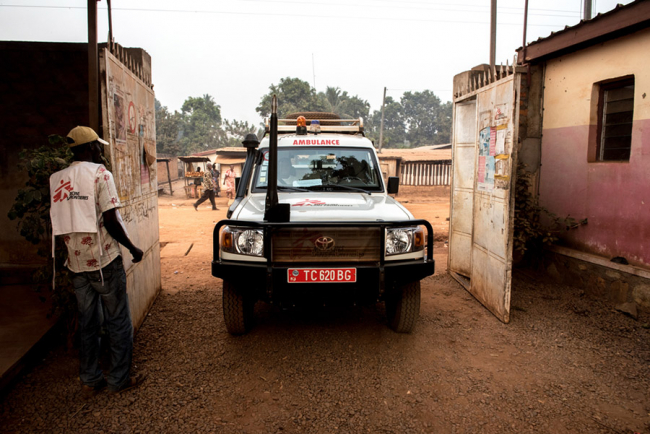 An MSF ambulance pulls up at the Castor Maternity Hospital