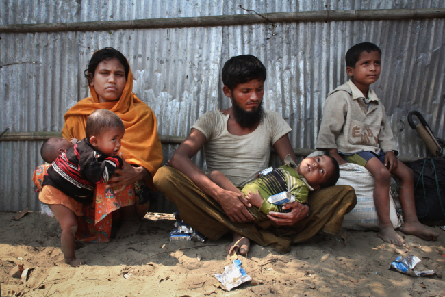 Rohingya crisis - Majida and her family arrive in Bangladesh