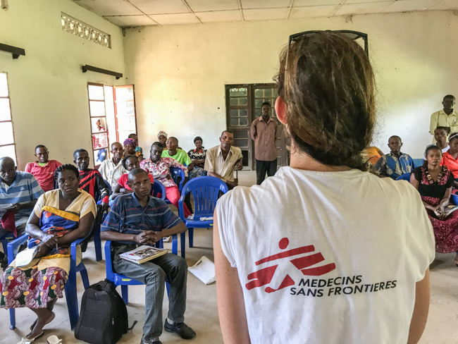 A team of MSF community health promoters receive training on Ebola. Photo: Louise Annaud/MSF