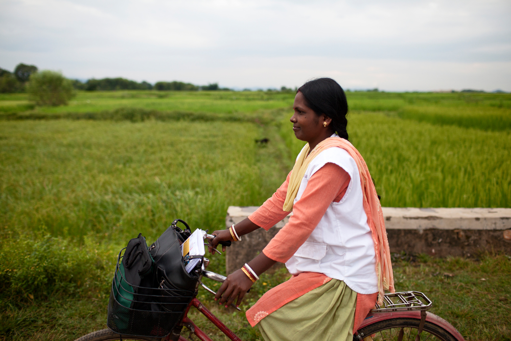 Every morning Subashini cycles from her home outside Chakradharpur to the MSF office. Photo: Nikhil Roshan