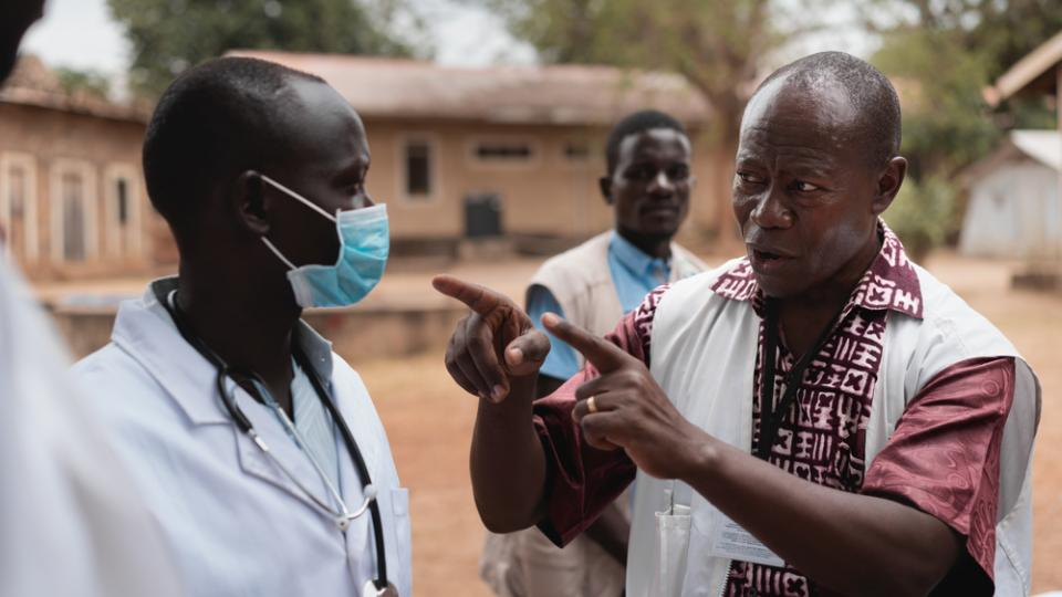 Watsan coordinator Adrien Mahama demonstrates how to wear a mask during COVID-19 infection prevention and control training  in Juba, South Sudan