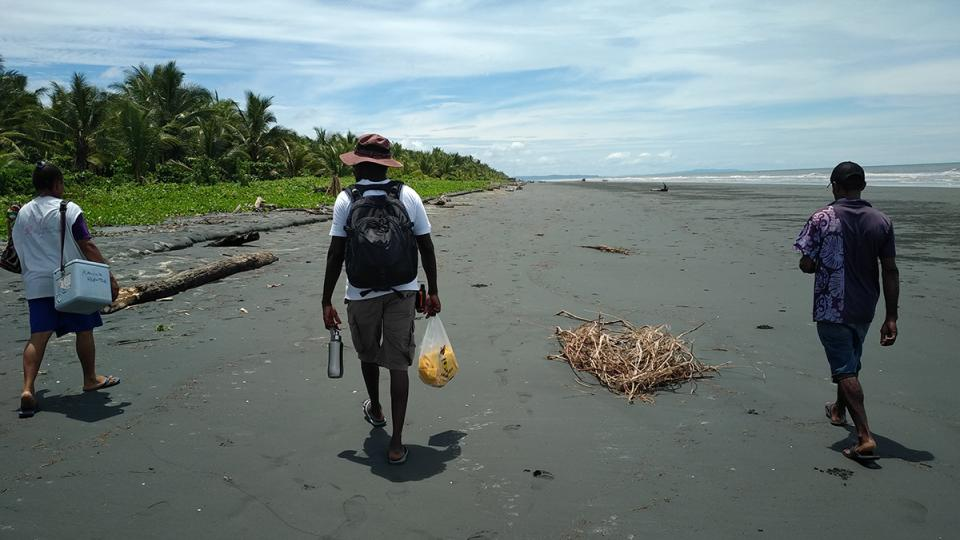 the msf team take the beach to reach a remote community in Papua New Guinea