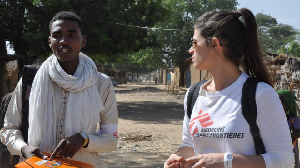 Epidemiologist Larissa Vernier and an MSF colleague