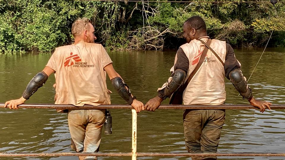 Two MSF staff members take a short break in Central African Republic