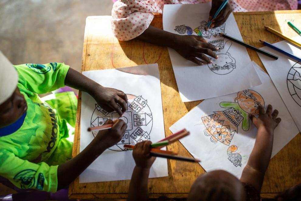 An MSF psychostimulation activity for children staying at Maroua General Hospital in Cameroon