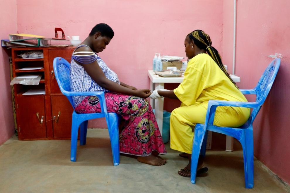 A pregnant woman undergoes an HIV test in the Central African Republic