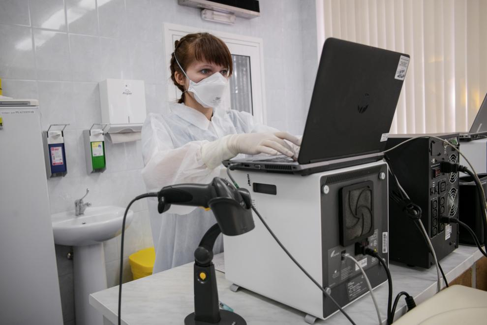 A lab in Minsk where samples from TB patients are analysed