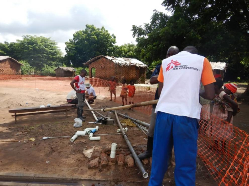 MSF teams work on bore holes damaged in floods in Makhanga, Malawi