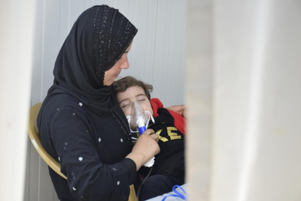 a mother and her child in the MSF hospital in Mosul
