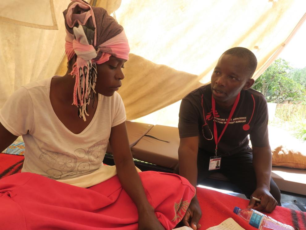An MSF / Doctors Without Borders nurse attends to a patient at Skyline stabilisation center