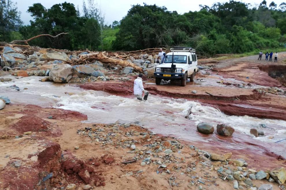 An MSF landcruiser prearing to cross a flooded road in Zimbabwe