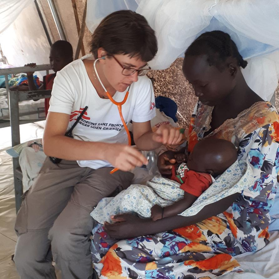 Ayla treating another young girl for a respiratory tract infection in Mundri, South Sudan