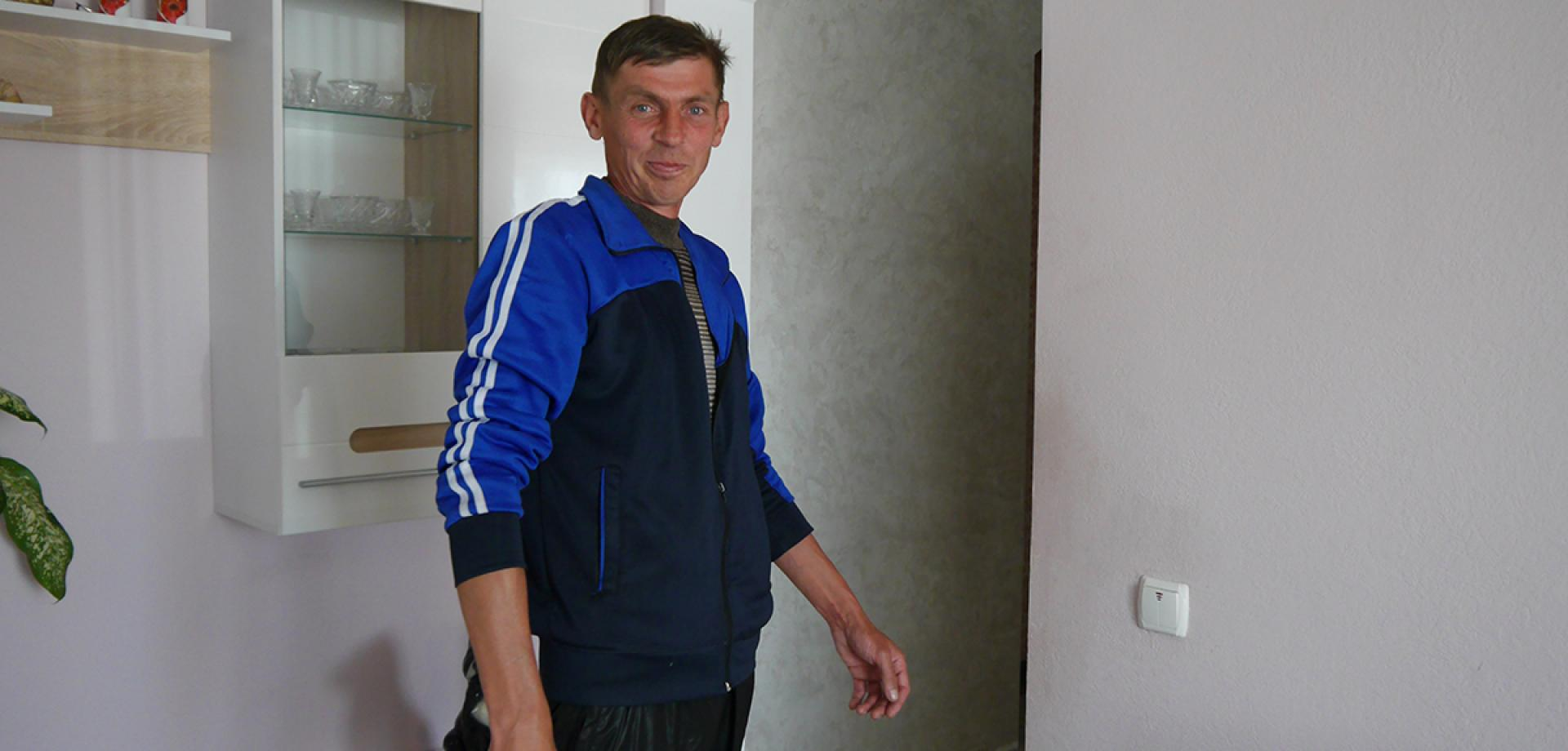 TB patient Vasyl is treated by the MSF team in Ukraine